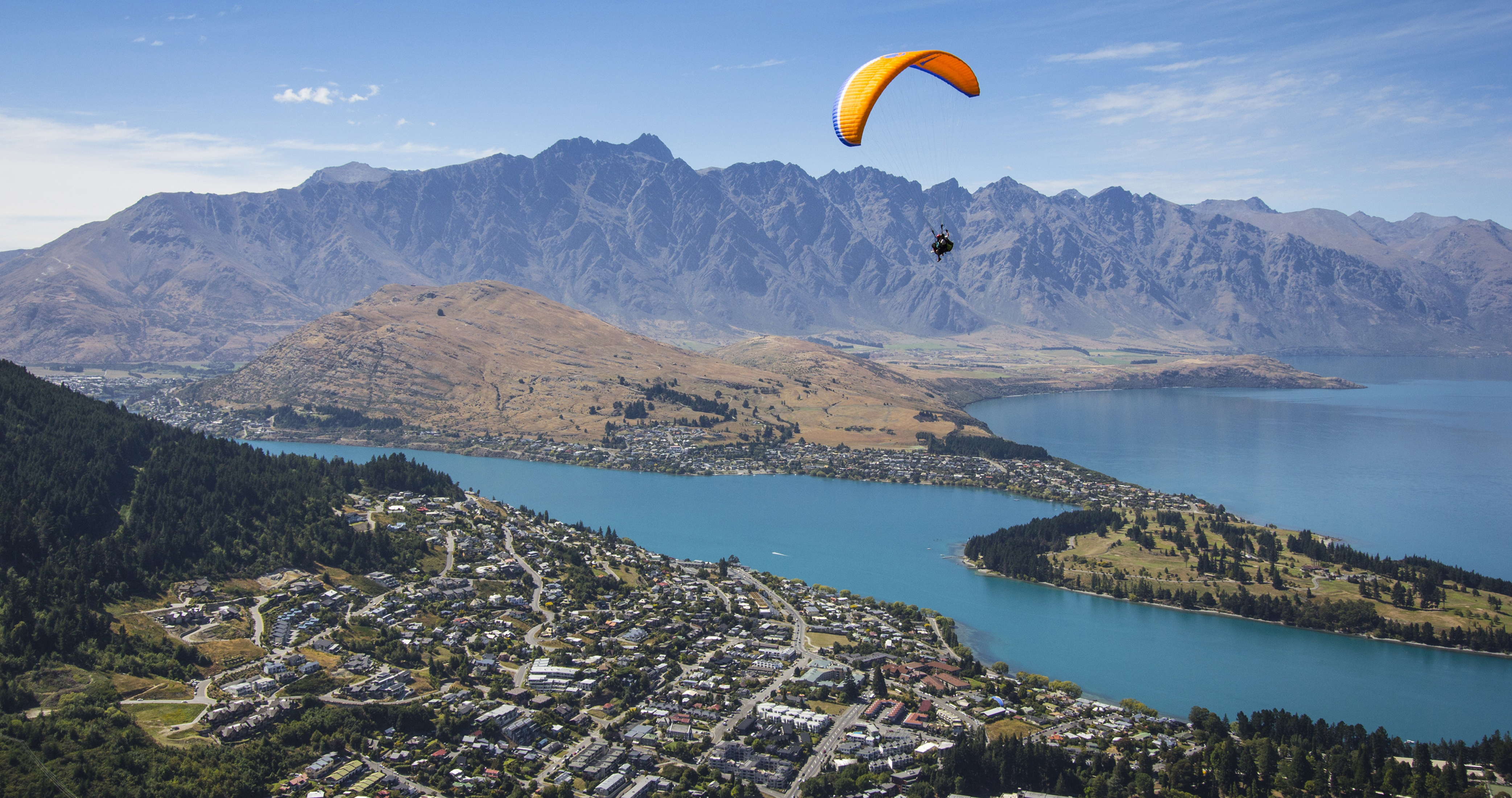 Paragliding from Bobs Peak cropped